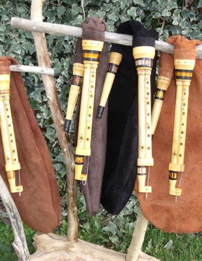 quatre cornemuses des landes de Gascogne de l'atelier Neofactlandes